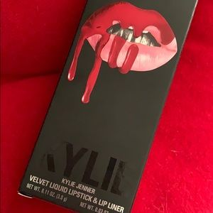 Kylie lipstick & lip liner set